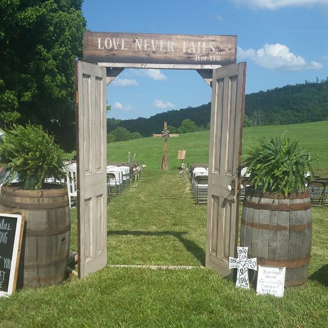Rustic Door Wedding Ideas: Repurposed Doors For Wedding Decor
